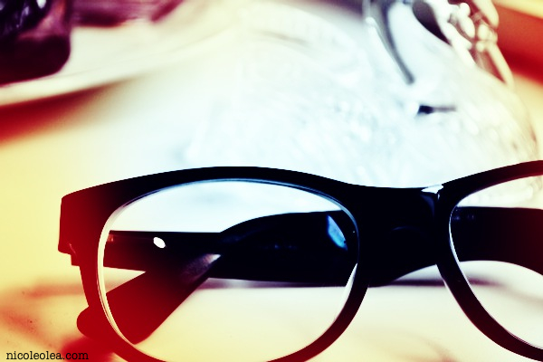 geek glasses, light leak