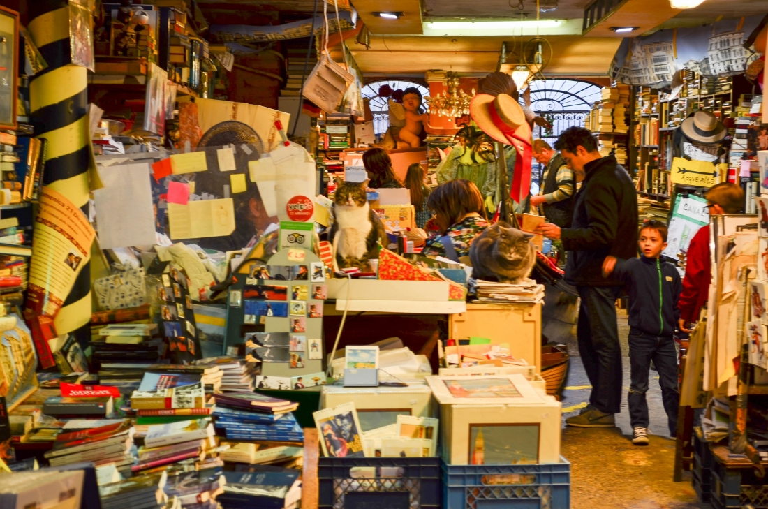 Libreria Acqua Alta Venice Book Shop-2