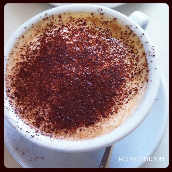 Living in Italy - Italian cappucino with cocoa